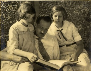 Federico Stallforth and his daughters, Gioja and Anita